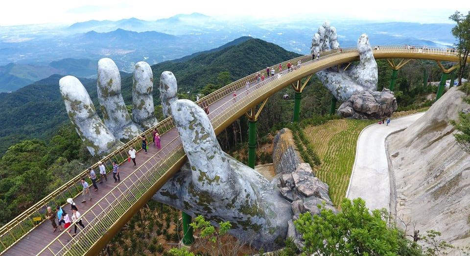 Kết quả hình ảnh cho golden bridge in da nang