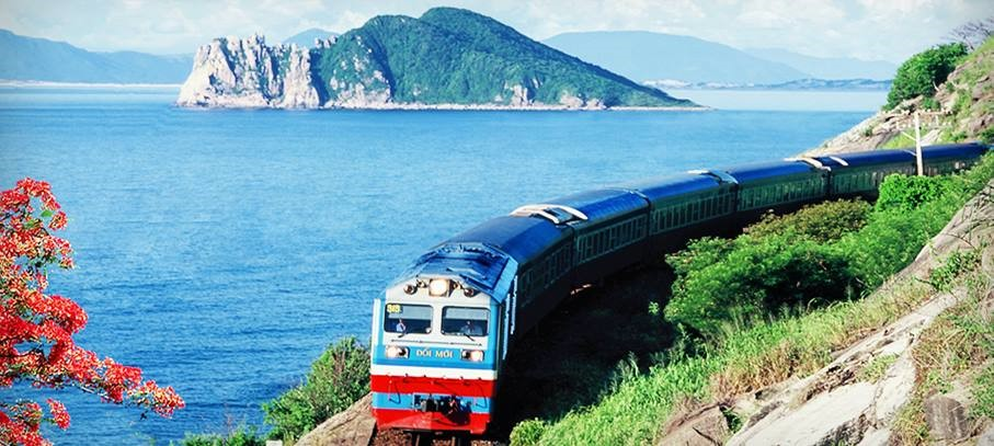 Special train transports 56 Chinese experts to Quang Ngai - Vietnam Insider